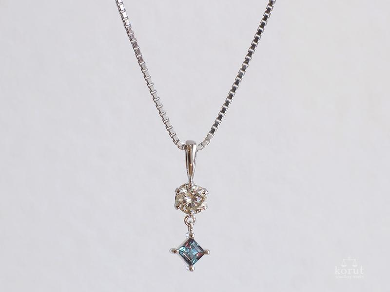 ダイヤモンドとアレキサンドライトのペンダント