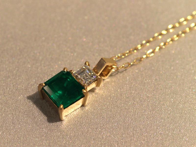 N007(K18、ダイヤモンド、エメラルド)