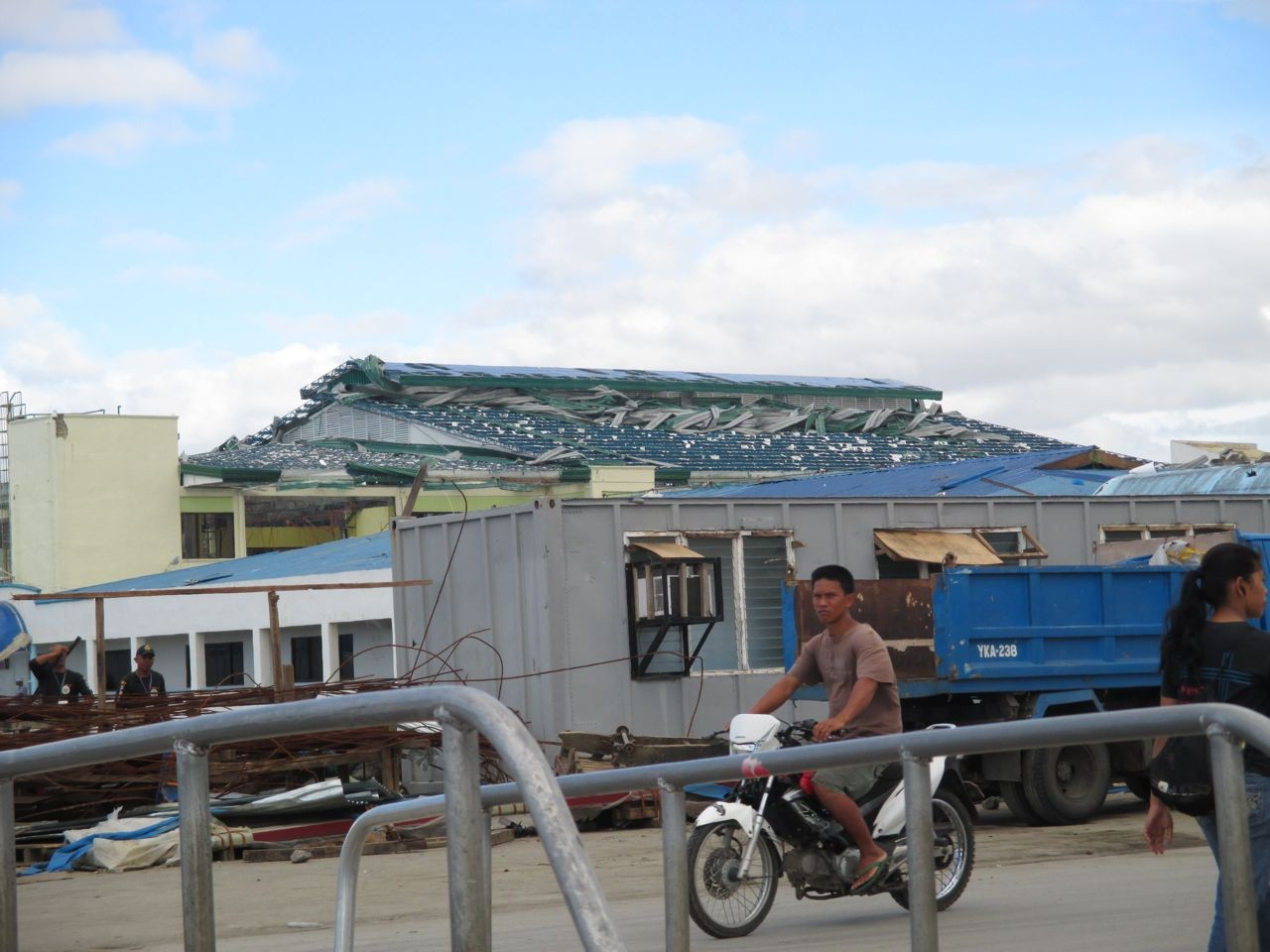 die ersten Eindrücke vom Sturm an der Westküste von Leyte
