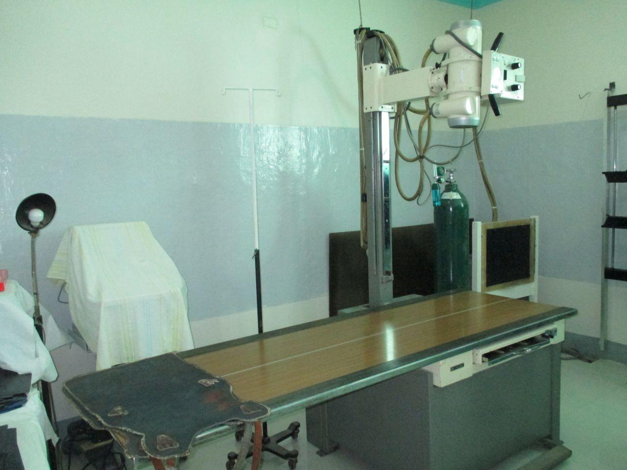 ein sehr altes Röntgengerät, hier wird dringend ein neues benötigt