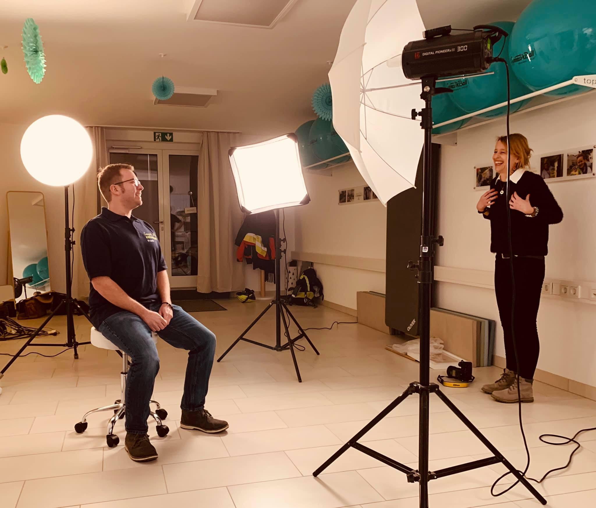 Die Fotografin Janine zusammen mit Frank