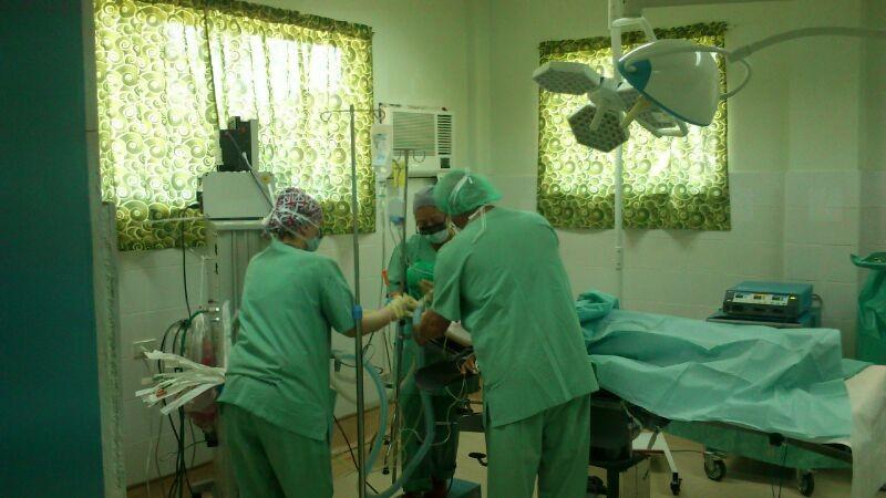 der erste Patient wird vorbereitet