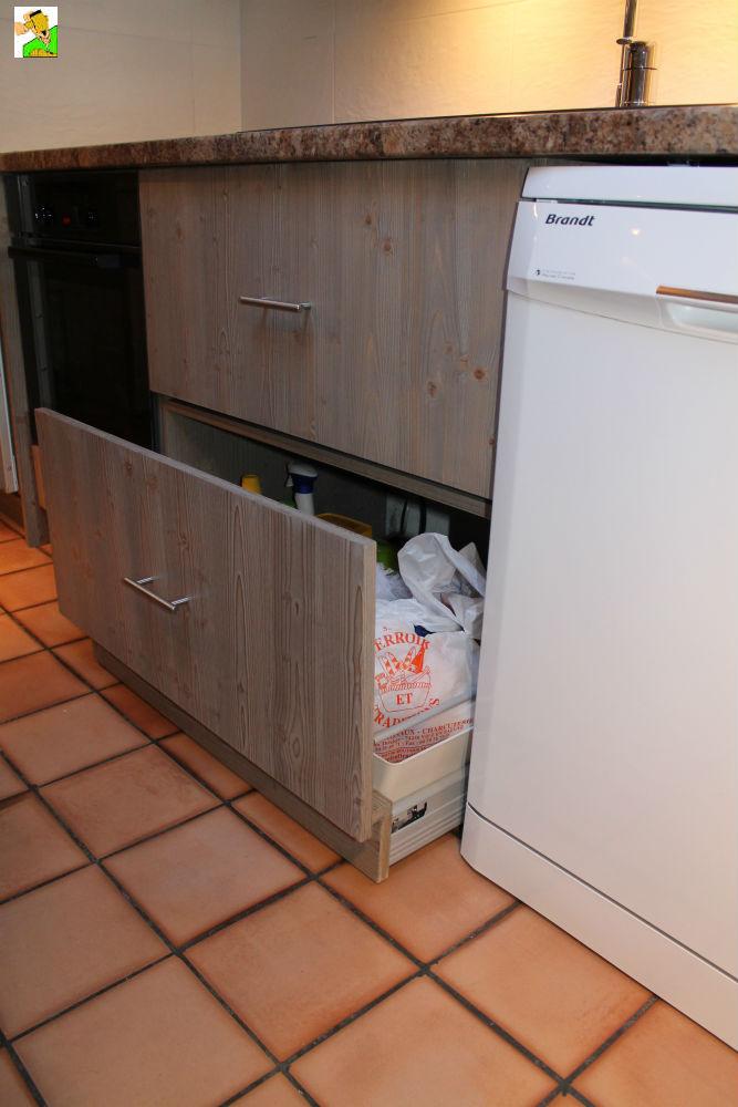 robinet d 39 vier escamotable menuiserie renovation secteur de samoens et morillon 74. Black Bedroom Furniture Sets. Home Design Ideas