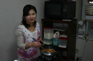 チキンもお鍋で煮込みます
