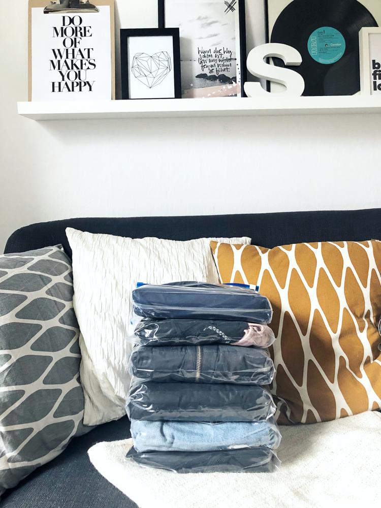 Das sind alle Kleidungsstücke und sogar noch die Handtücher
