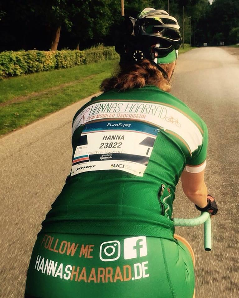 Geschafft nach 120 km und 3:45 Stunden glücklich und erschöpft im Ziel. Bei den Cyclassics Hamburg handelt es sich um ein traditionelles Radsport-Eintagesrennen, wo man auf abgesperrten Straßen eins mit seinem Bike werden kann.