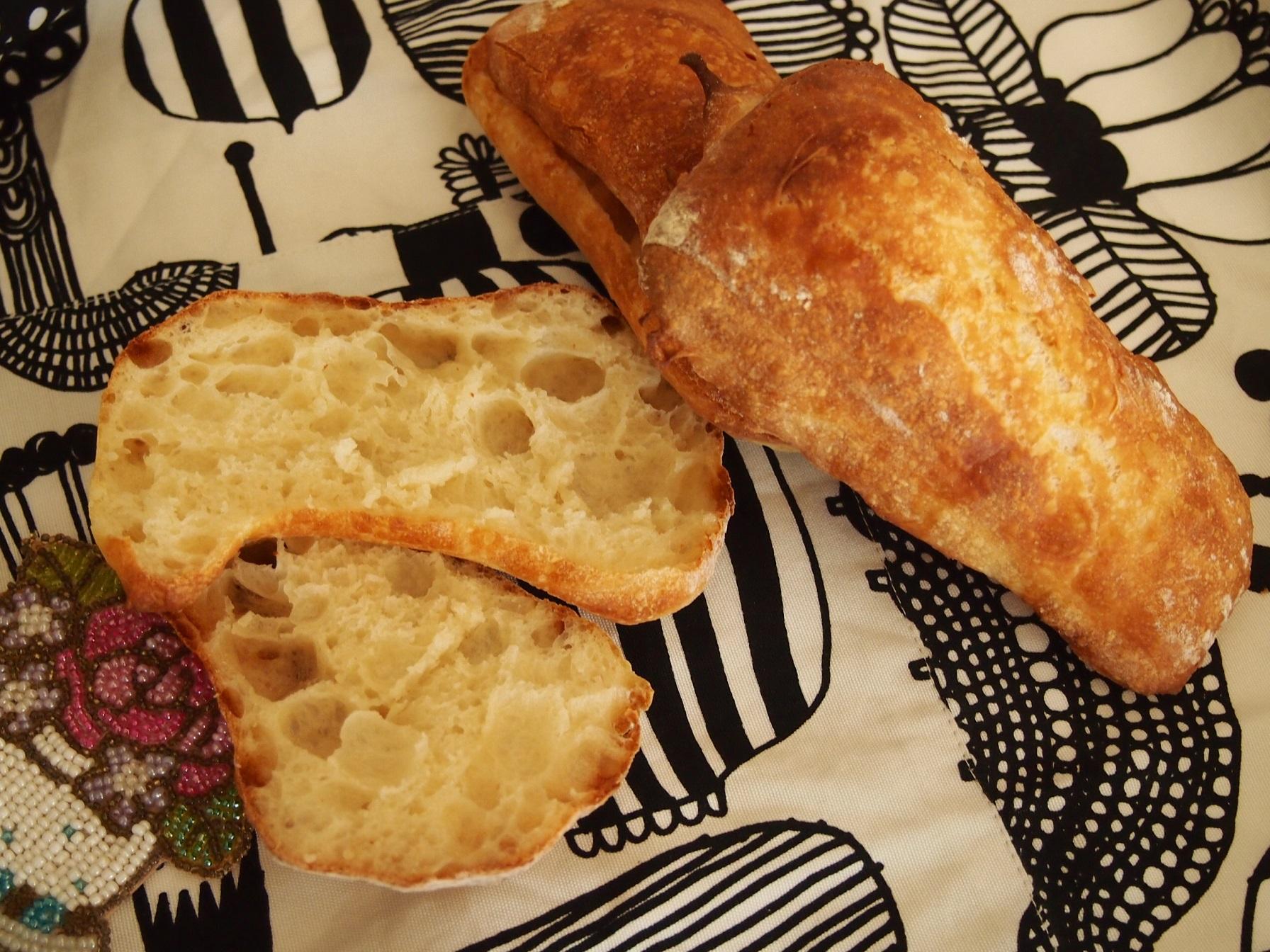 チャバタ(捏ねないパンです)