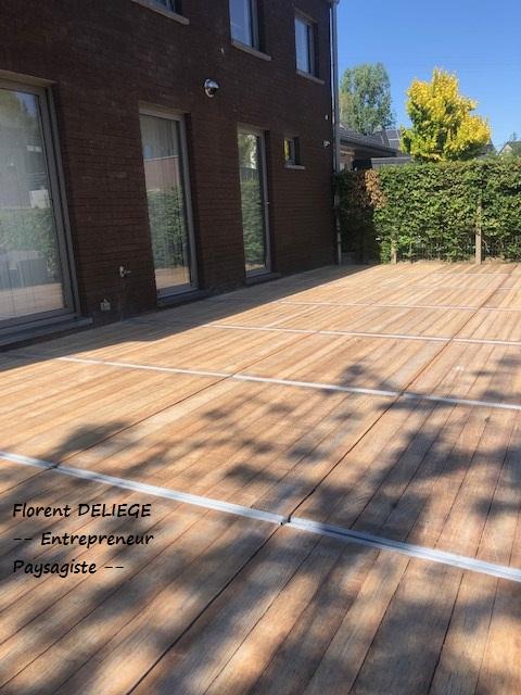 terrasse panneaux de coffrage aménagement extérieur paysagiste contemporary landscaping