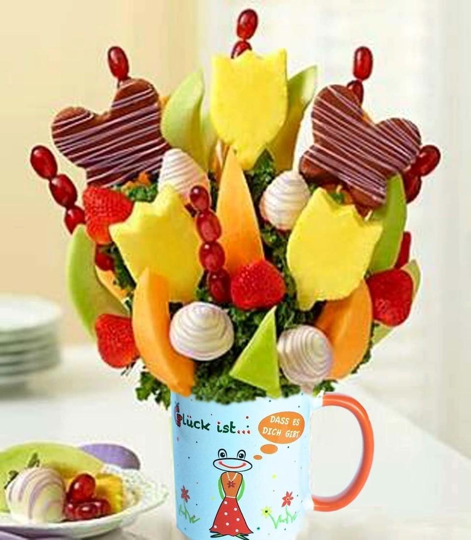 Glückstassen von UKo-Art gefüllt mit essbaren Geschenken von Miwa Obstkorb - das geschmackvollste und gesündeste Geschenk im Taunus