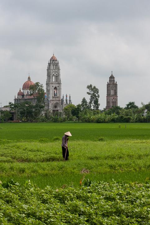 Vietnam - La cathédrale de Phat Diem