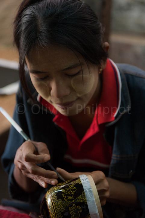Birmanie - Bagan - Gravure sur laque