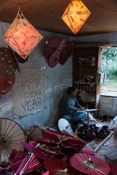 Birmanie - Pindayas - Fabrique d'ombrelles