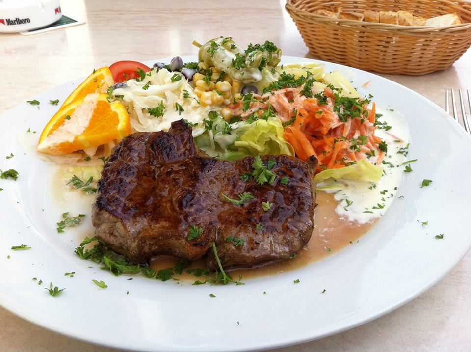 Rumpsteak mit Salat