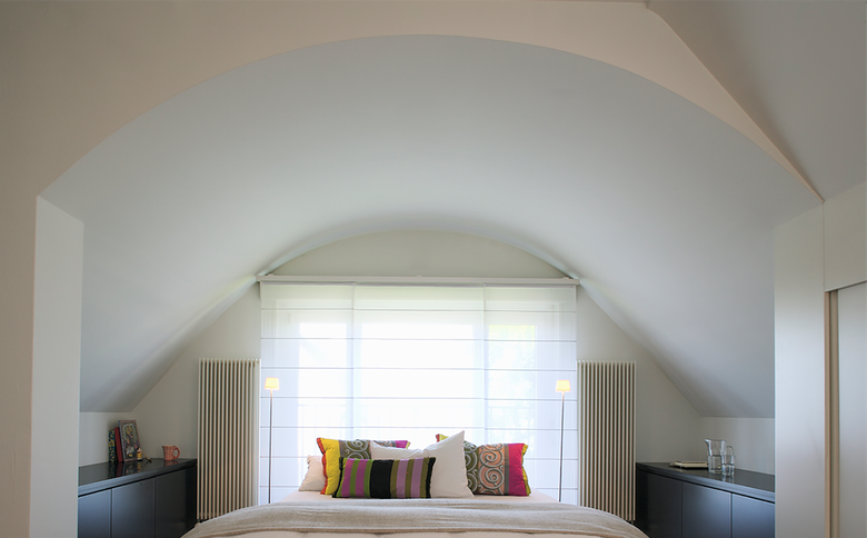 8-Room Apartment Höngg Bedroom