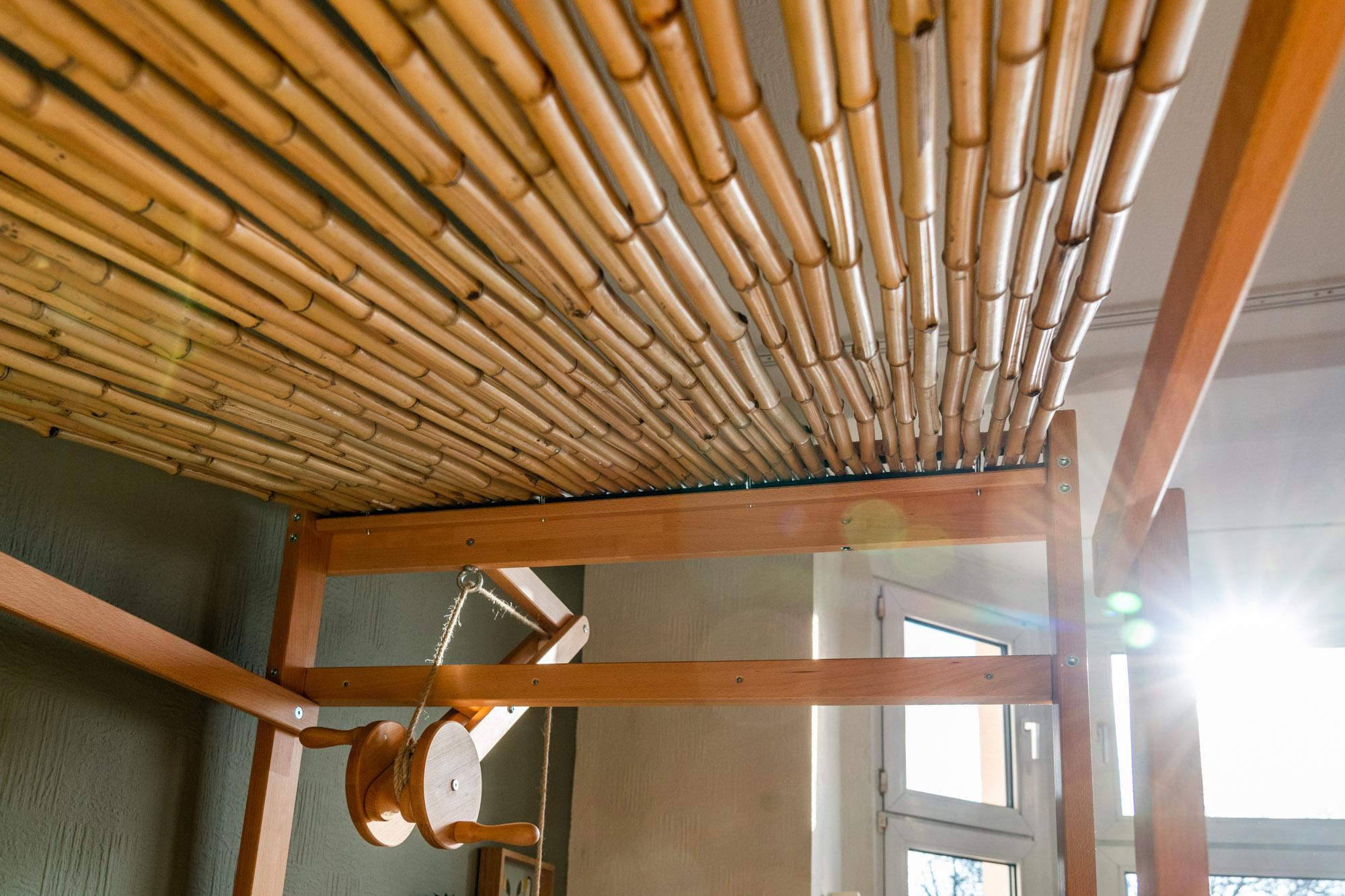 Baumhausbett natur Bambusdach
