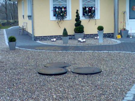 Fertig eingebaute PE-Kunststoff Anlage von Klävertec bei einem anderem Kunden im Steingarten.