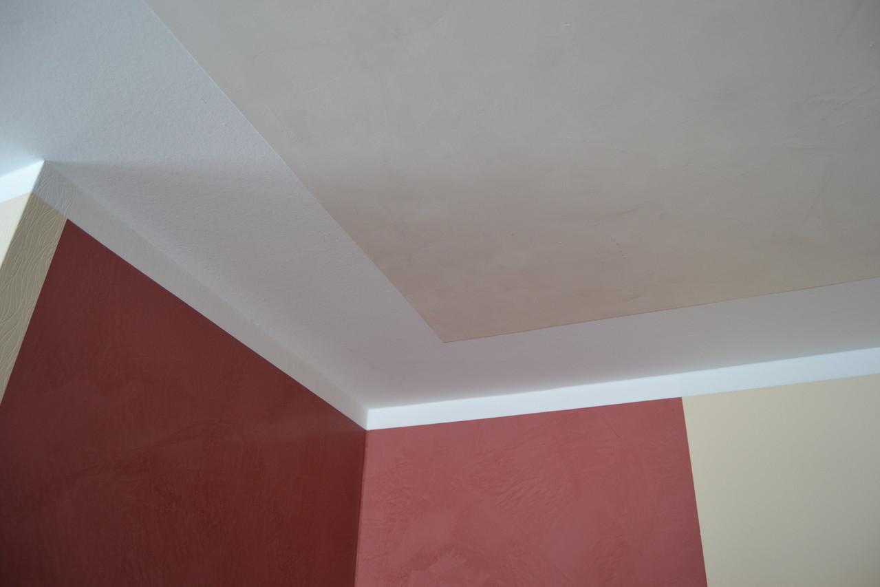 Malerei Burkhardt, Spachteltechnik Stucco DiLuce (Caparol), Decke: Epoca Marmor (Jäger)