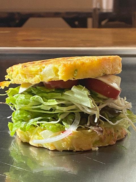 サラダバーガー450円