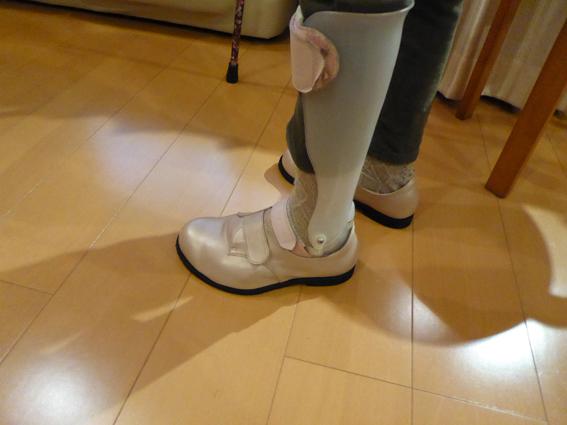 下肢装具、足底板、コルセット、義肢装具の専門店ワンアップブレース