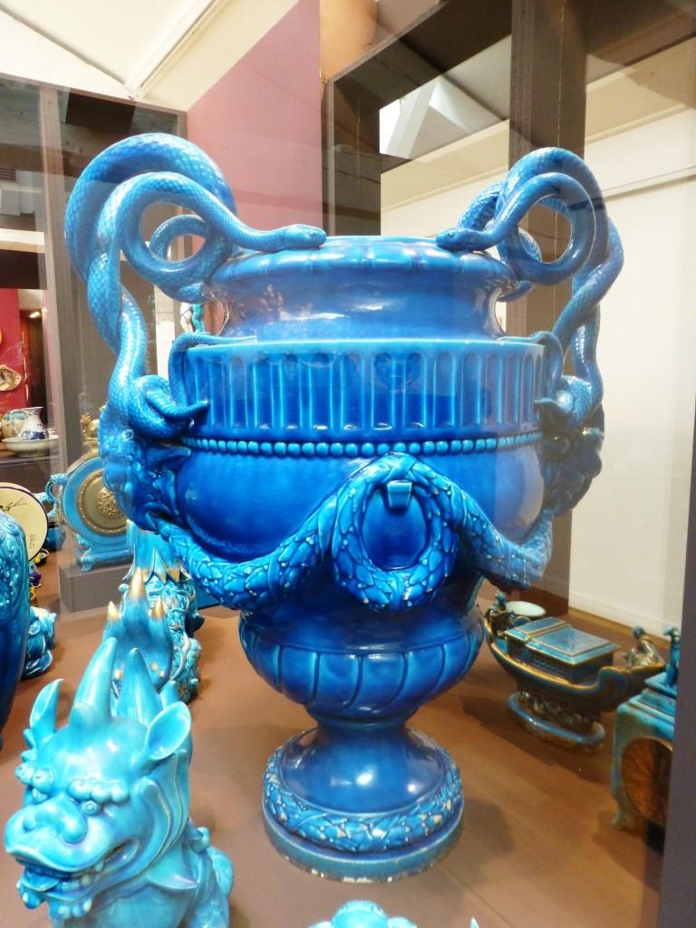 Des céramiques bleu caranza