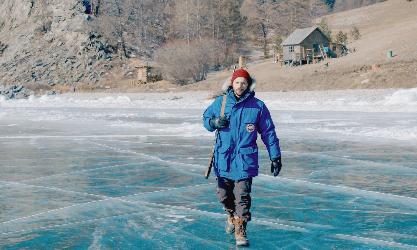 En Sibérie, marcher sur le lac Baïkal ( photo D.R.)