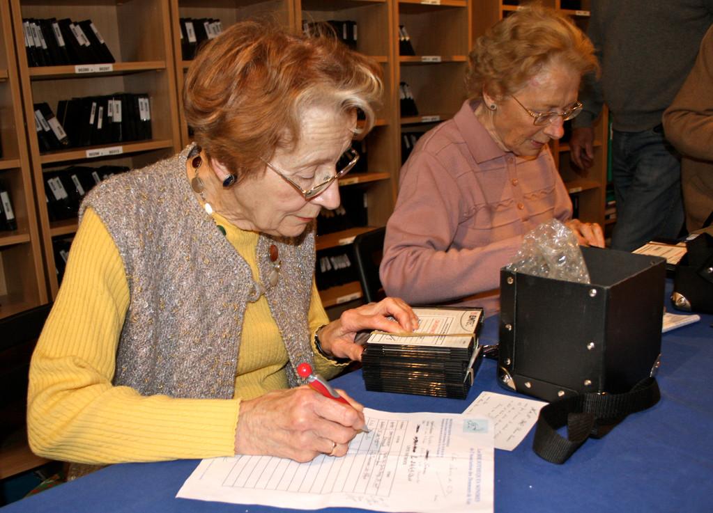 Les bénévoles en plein travail ( photo A. Blanchet)