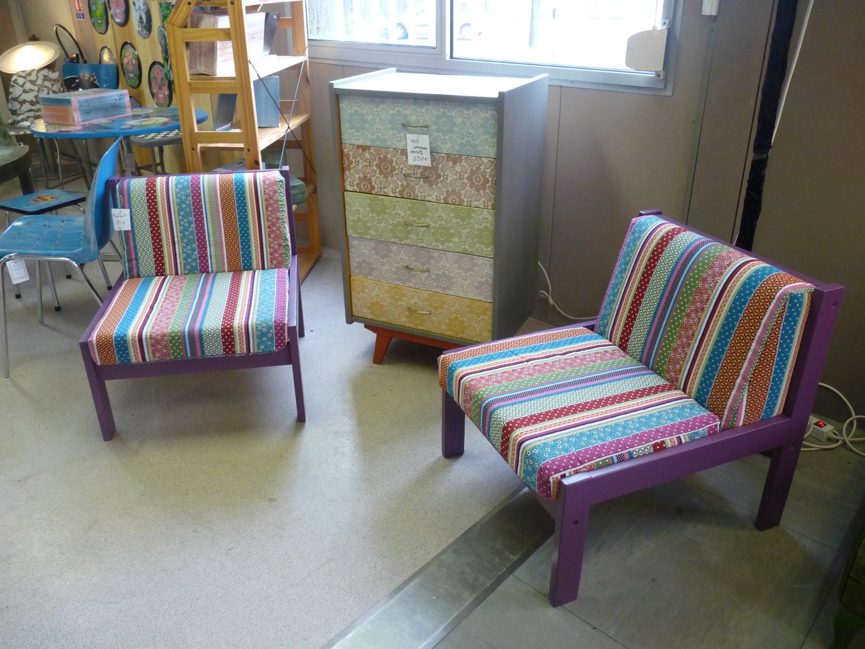 Des fauteuils recouverts et l'ambiance est changée