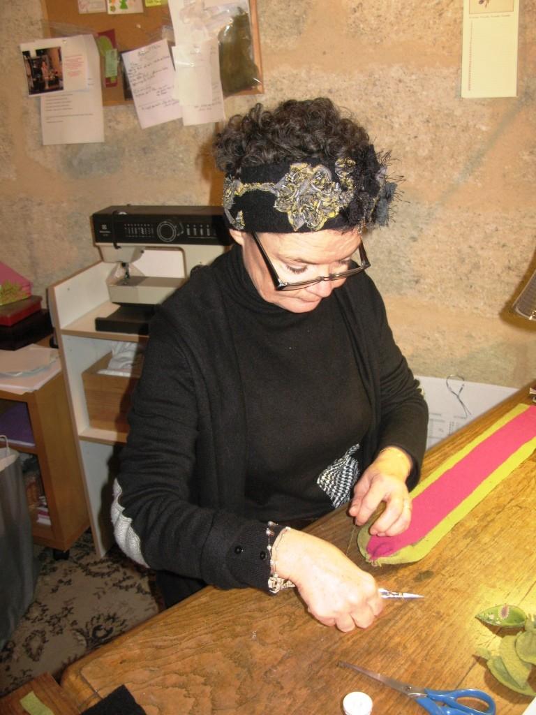 Michèle-Françoise dans son atelier