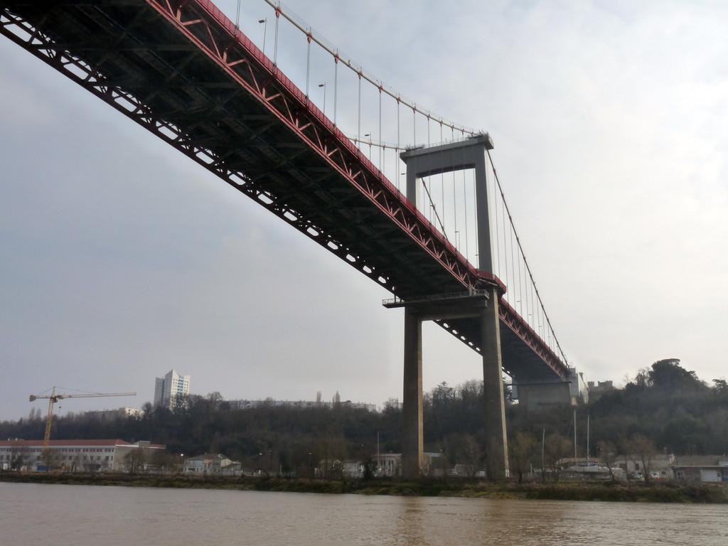 Le pont d'Aquitaine