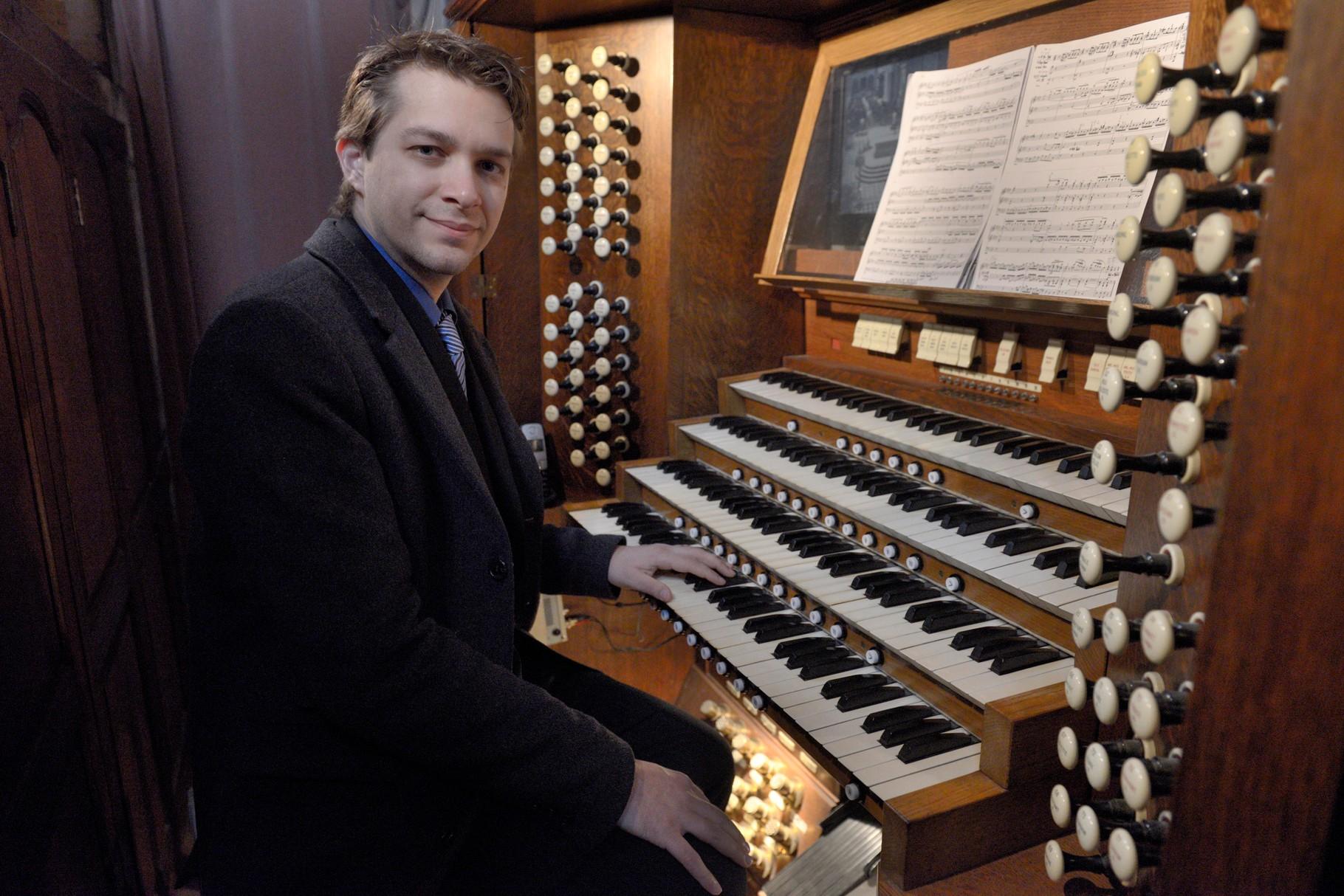 Jean Baptiste Dupont, titulaire des grandes orgues de la primatiale de Saint-André