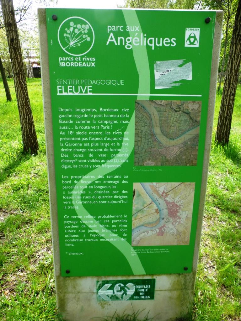 Des panneaux pédagogiques jalonnent le parc