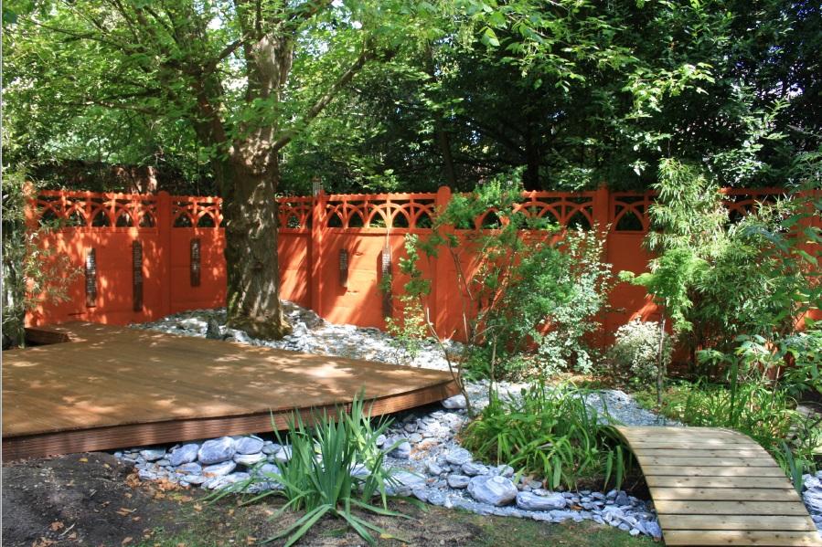 Le jardin aménagé en jardin d'inspiration japonaise