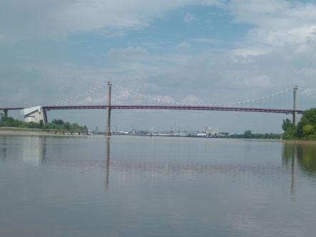 Pont d'Aquitaine ( P. Guillot)