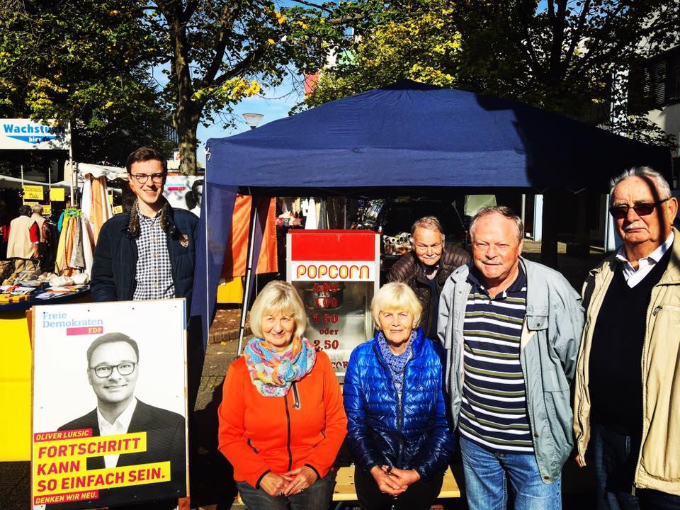 Wahlkampfstand der FDP auf dem Markt in Lebach
