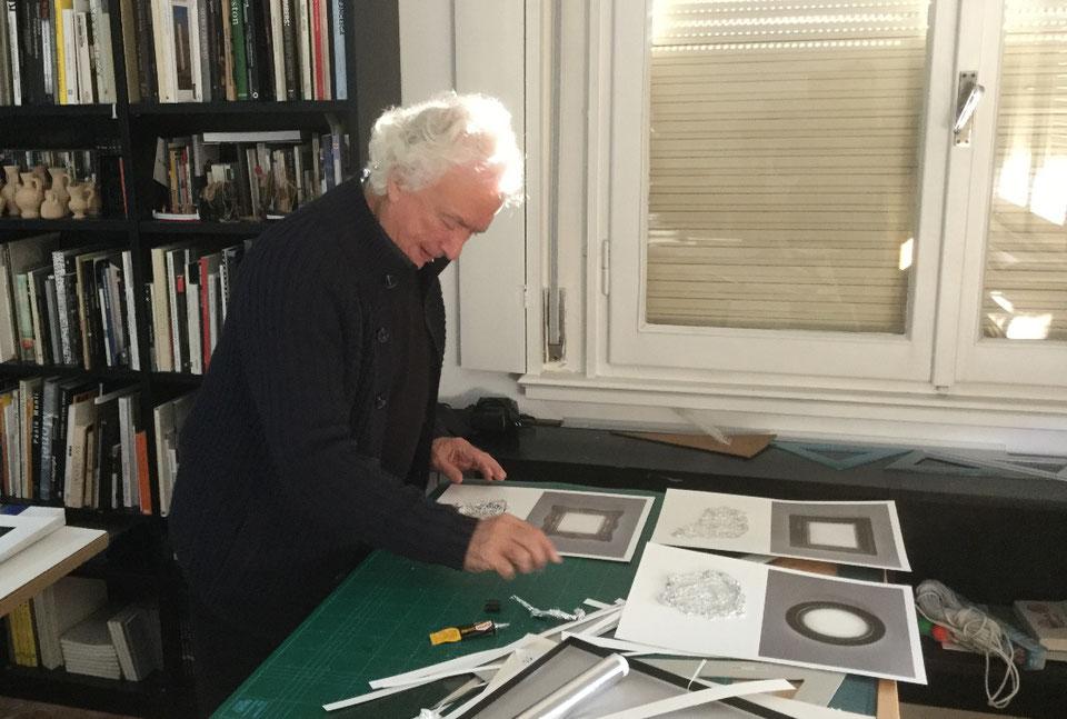 """Marcio Cresi realizza i collage su fotografia per """"Più luce"""""""
