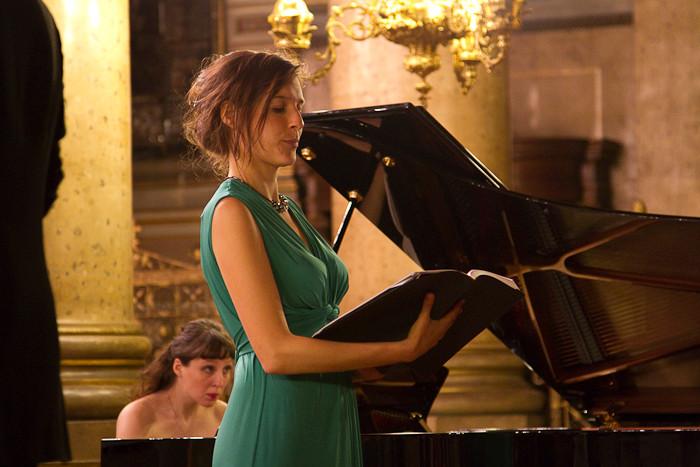 "Jill, alto soliste dans l'""Agnus Dei"""