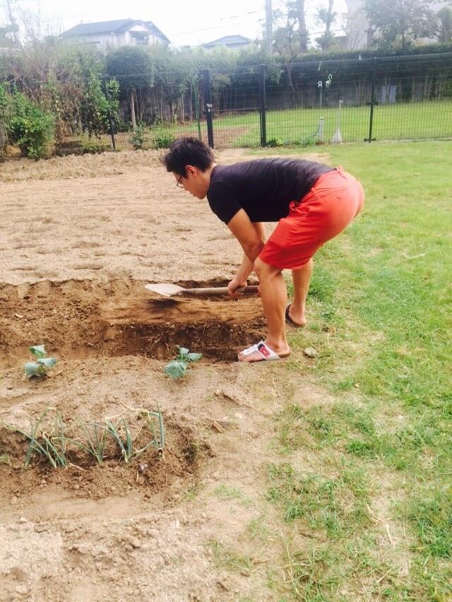 トレーニングを活かして苗植え。