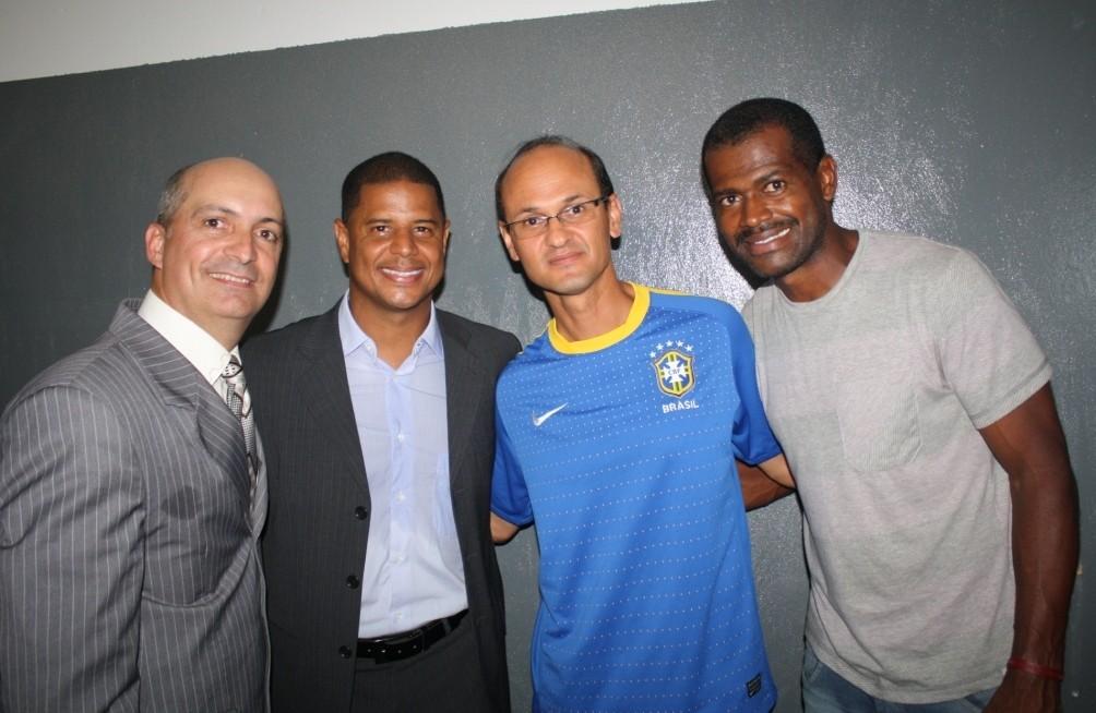 Marcelinho Carioca,Bryan (FIFA) e Vitor (ex-São Paulo,Corinthians, Vasco...)