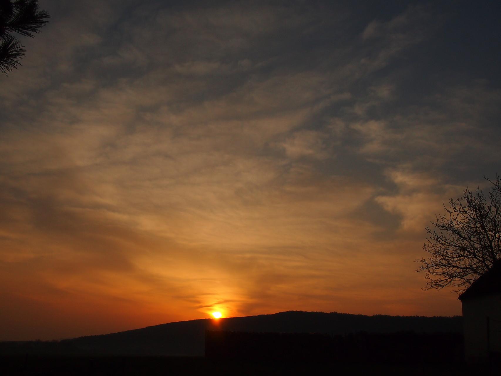 Sonneaufgang über unserem Hausberg