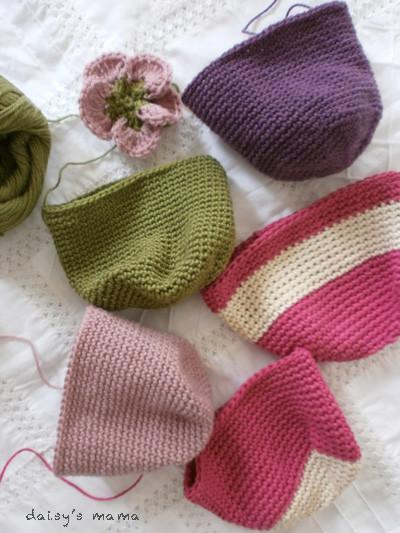 手編みのがま口制作中