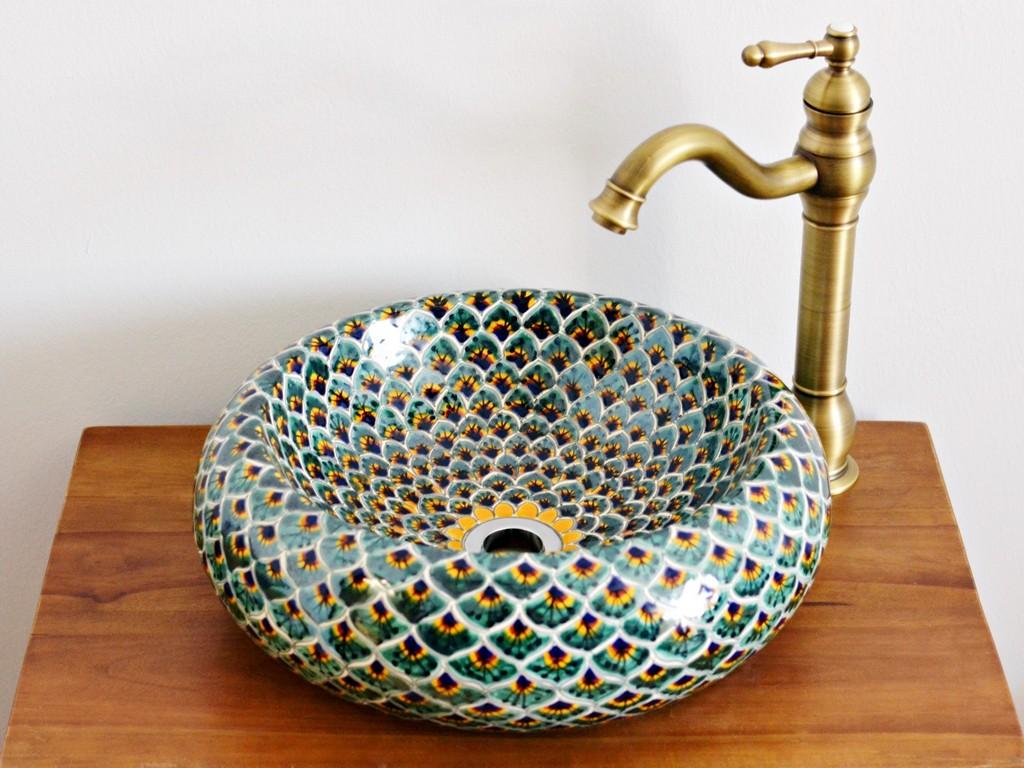 Ausgefallenes Aufsatzwaschbecken rund aus Mexiko: Motiv: Pavo verde