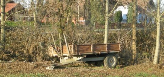 Traktorska prikolica na didanovoj uriji