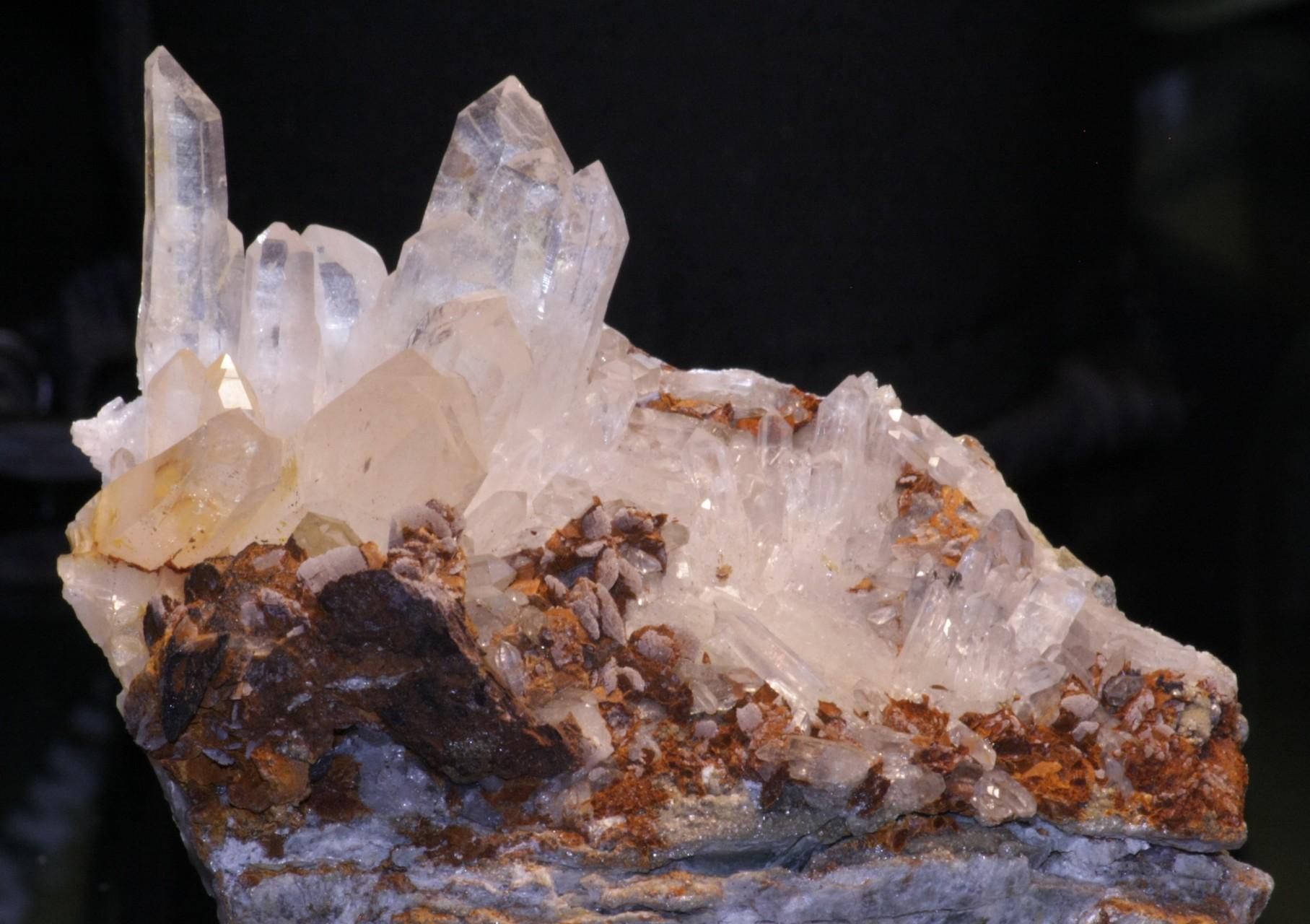 Quarz mit Siderit und Calcit, Lukmanierschlucht, GR