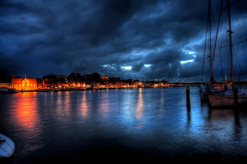 Nächtlicher Blick auf Flensburg