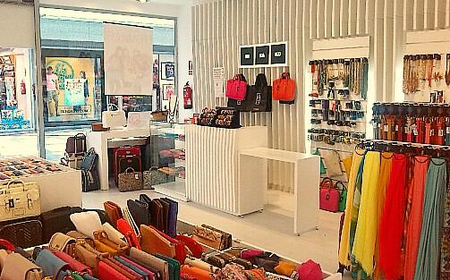 Resultado de imagen reformas de tiendas de bolsos