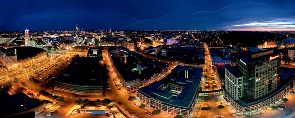 Leipzig am Abend mit Blick vom Hotel The Westin - © Dirk Brzoska
