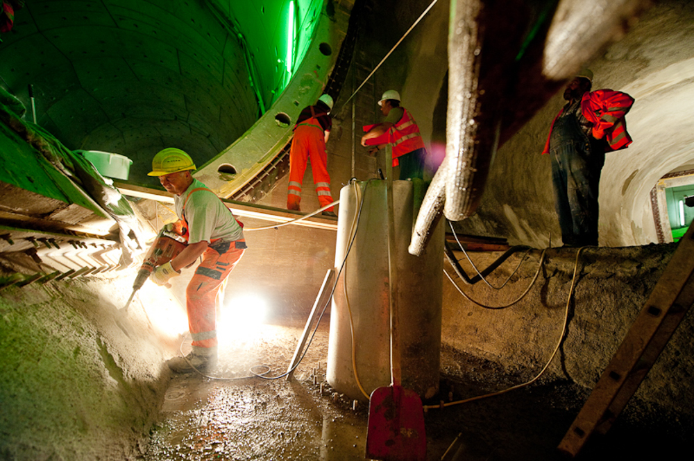 Tunnelbau fotografiert für PORR - © Dirk Brzoska