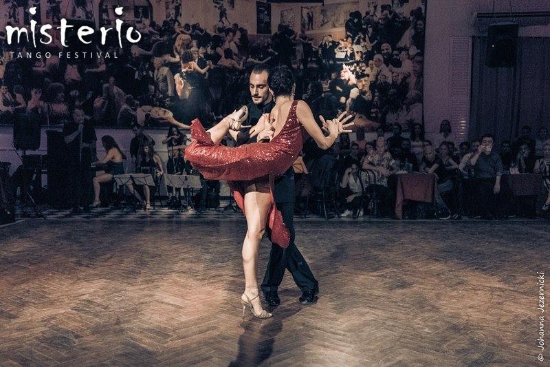Lorena Tarantino & Gianpiero Galdi   18. TangoTage Halle (14.-17.10.2021)   www.tangotagehalle.de   TangoMioHalle e.V.