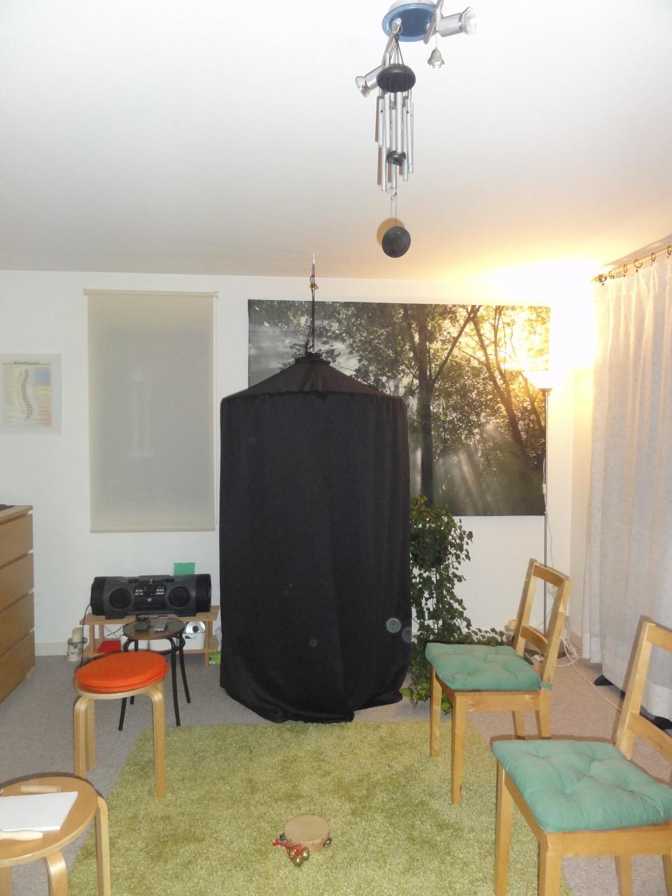 Séanceraum mit Kabinett und 'Spirit-Lichtlein' (Orbs) - 3