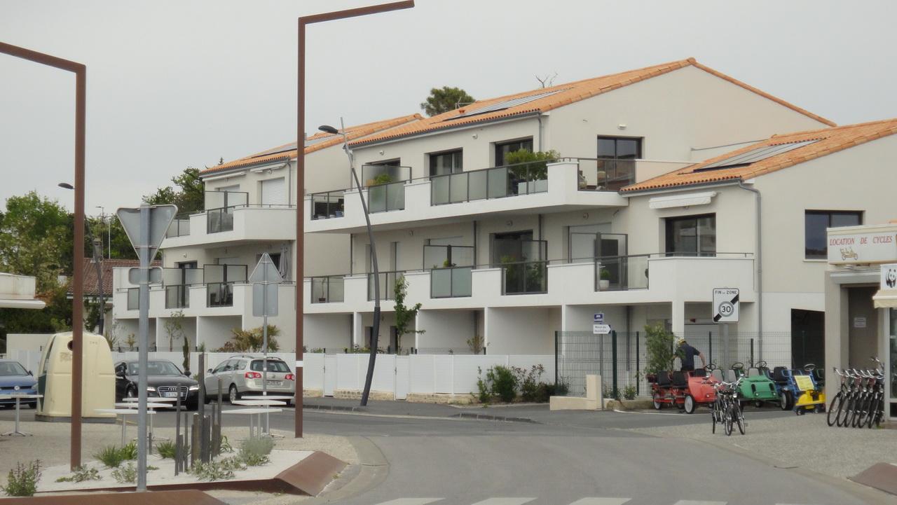 La résidence Espace Mocqueris vue depuis la plage
